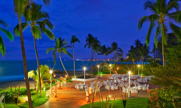 Dining outdoors at the Sheraton Buganvilias in PV